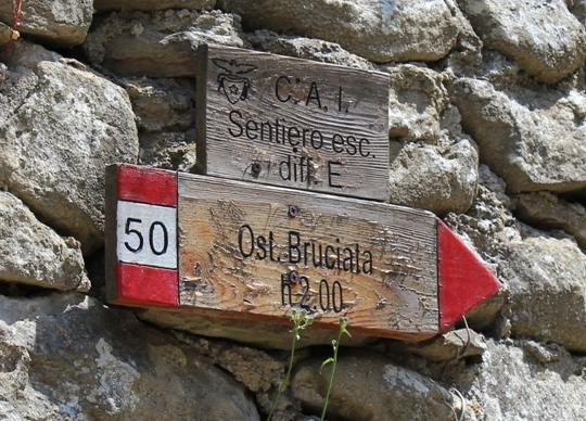 Today the passo is part of the network of hiking trails throughout the Apennine Mountains.